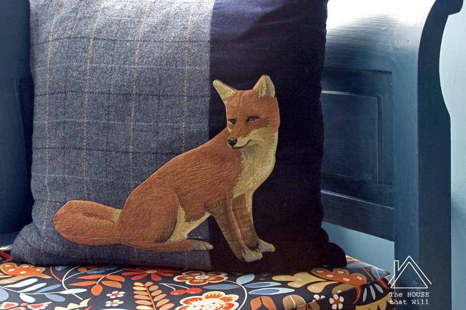 Hand-Appliqué Tweed Fox Cushion Cover Throw Pillow