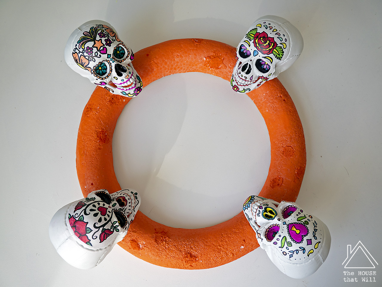 The House that Will | DIY Day of the Dead Dia de los Muertos sugar skull wreath Halloween decor