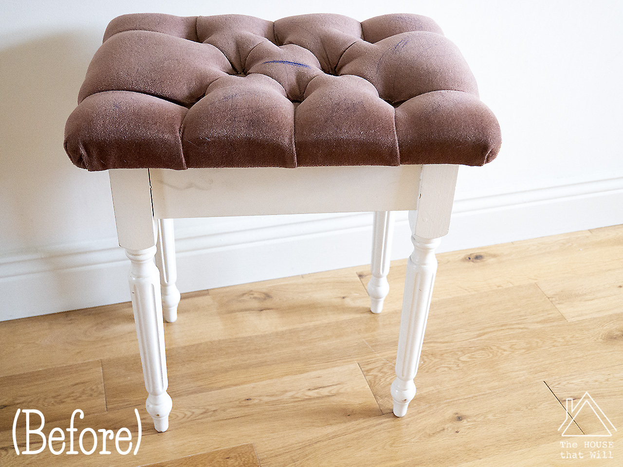 18 tufted stool 1110607