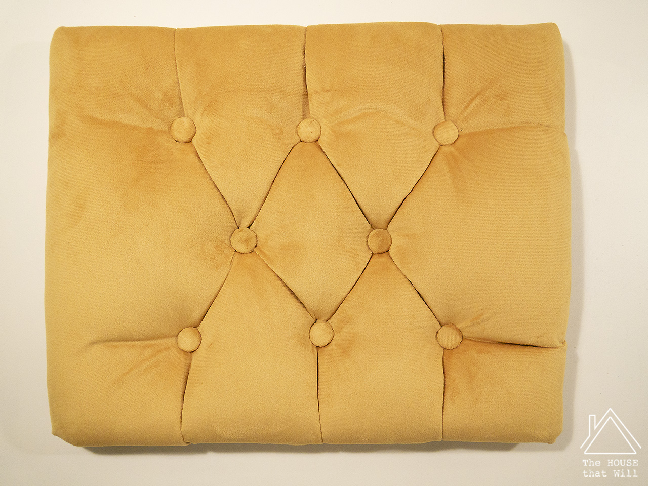 18 tufted stool 1110701